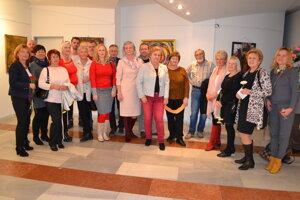 Účastníci Humenského výtvarného salóna.