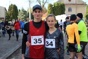 Víťazi Slepčianskej pätnástky - Matej Páleník a Veronika Zrastáková.