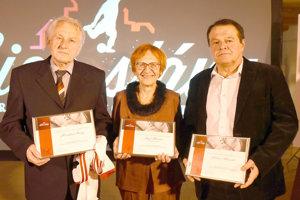 Sieň slávy má troch nových členov – zľava: M. Čemez, J. Blanár in memoriam (členstvo prevzala nevesta Nina) a M. Albrecht.
