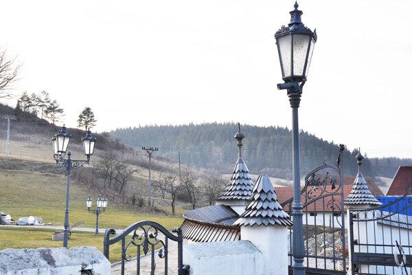 Lampy zHviezdoslavovho námestia. Kúpil ich súkromník za zvláštnych okolností.