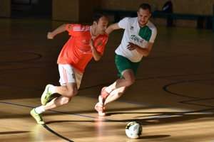 Opäť sa rozbiehajú boje vmichalovskej futsalovej lige.