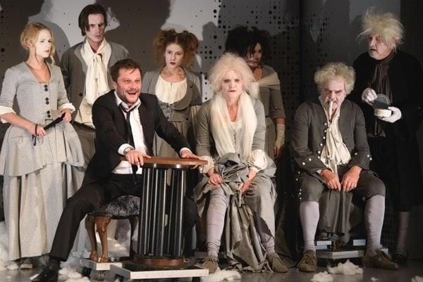 V sobotu v SKD bola prvá premiéra aktuálnej divadelnej sezóny. Vo Višňovom sade si zahral takmer celý martinský súbor.