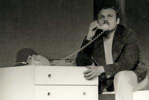V Divadle Andreja Bagara otvoria výstavu a zaspomínajú si na Jozefa Bednárika. Na snímke ešte ako mladý herec.