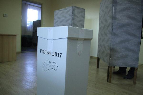 Voľby do VÚC priniesli viaceré prekvapenia.