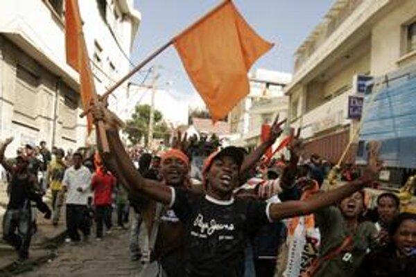 Antananarivo ovládli davy.