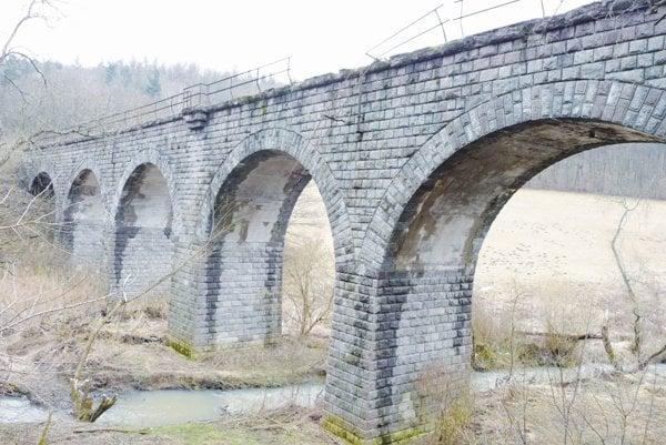 Dobronivský viadukt.