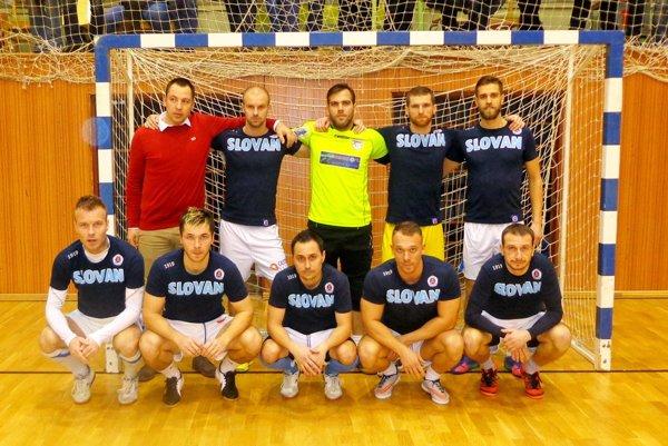 Na snímke mužstvo New Slovan, víťaz posledného ročníka Novoročného turnaja vo Vrábľoch.