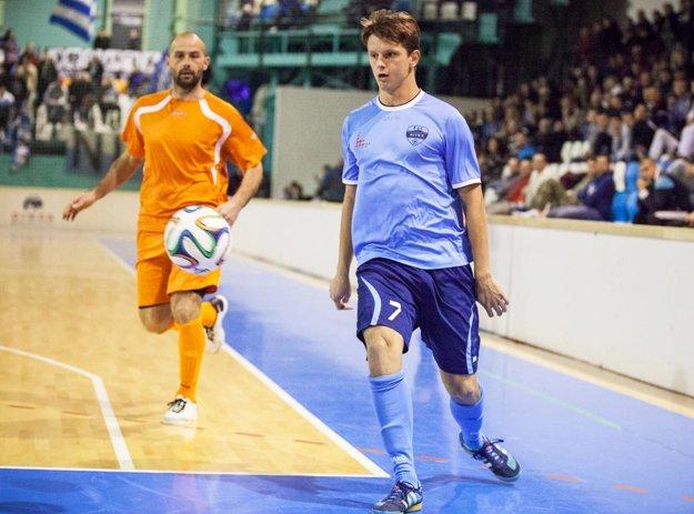 Tešiť sa môžeme aj na Matúša Pauknera, ktorý strieľa góly za rakúsky Horn.