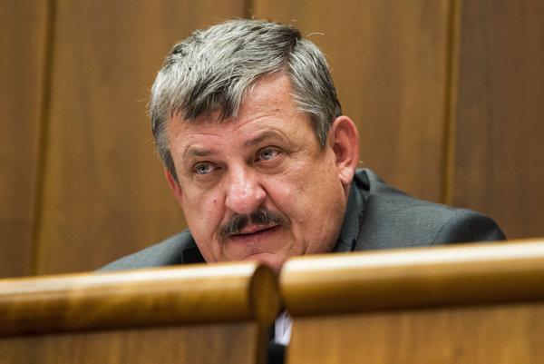 Anton Hrnko.