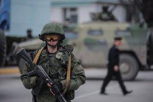 Neoznačený vojak v Baklakave na Kryme.