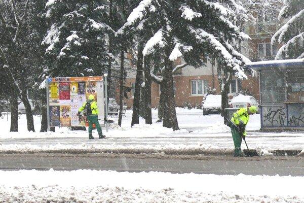 V Martine naplno beží zimná údržba mestských komunikácií.