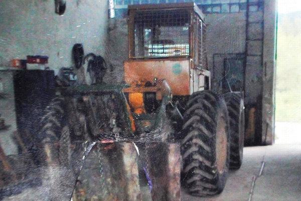 Tento traktor ukradli z lesa v Hornej Lehote.