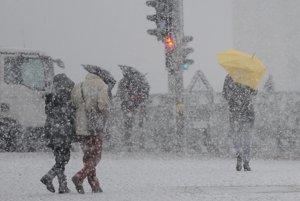 Berlín, Nemecko.Husté sneženie pred hlavnou stanicou v Berlíne.