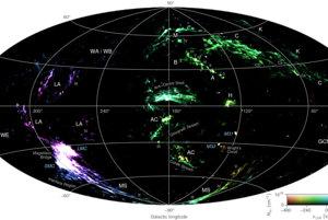Celá mapa vo falošných farbách spája údaje o rýchlosti a hustote oblakov. Jas ukazuje hustotu a zafarbenie rýchlosť.