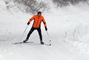 Ak ryhy po skútroch zamrznú, k zraneniu lyžiarov je iba krok.