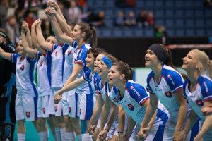 Slovenky sa radujú po zdolaní Lotyšska v zápase o piate miesto.