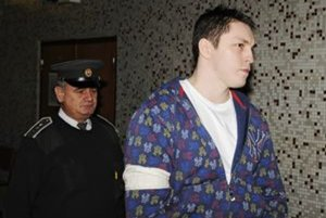 Pri neúspešnom žiadaní o prepustenie z väzby, december 2009.