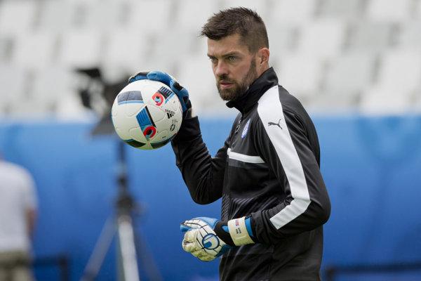 Matúš Kozáčik si užíva s Plzňou vydarenú sezónu.