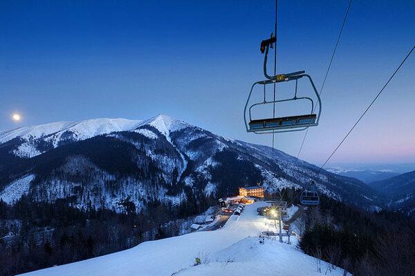 Lyžiarske svahy Chopku sa počas konania zimnej olympiády zmenia na arénu Slovenského olympijského tímu.