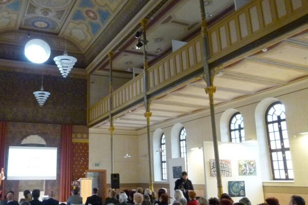 Akcia sa konala v levickej synagóge.