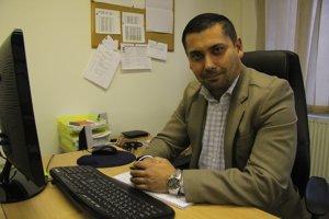 Viktor Teru pracuje v Rómskom vzdelávacom fonde - Roma education fund (REF).