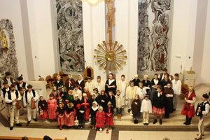 Podujatie Slovensko spieva koledy si našlo miesto spievania aj na Orave v Sihelnom.