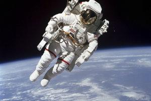 McCandless prvýkrát voľne vo vesmíre.
