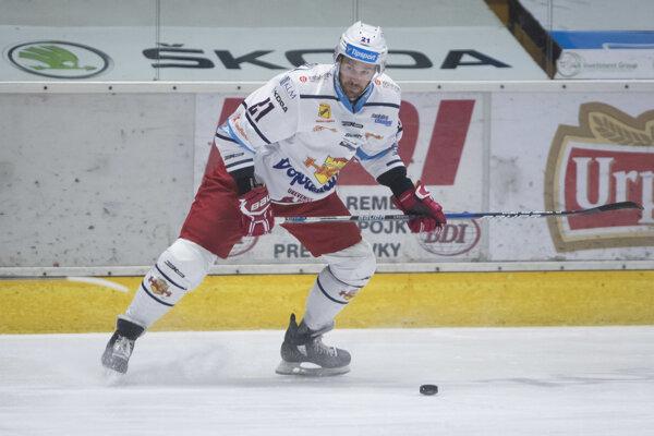Na ľade Kyle Wharton.