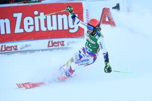 Petra Vlhová sa raduje v cieli druhého kola.