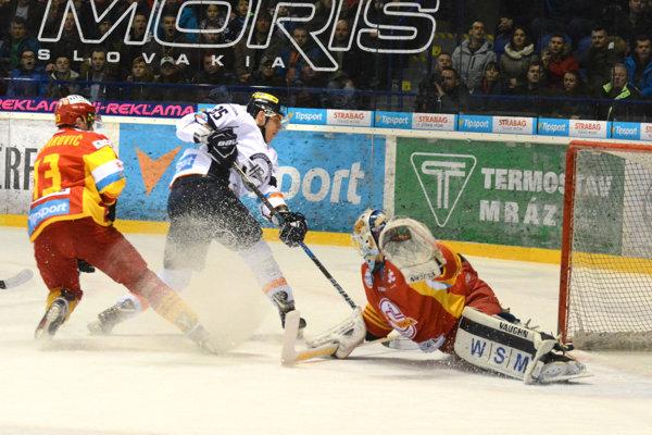 Košičania dvakrát prehrávali, ale Trenčín nakoniec zdolali 4:2. Misky váh naklonili na svoju stranu vzáverečnej desaťminútovke.