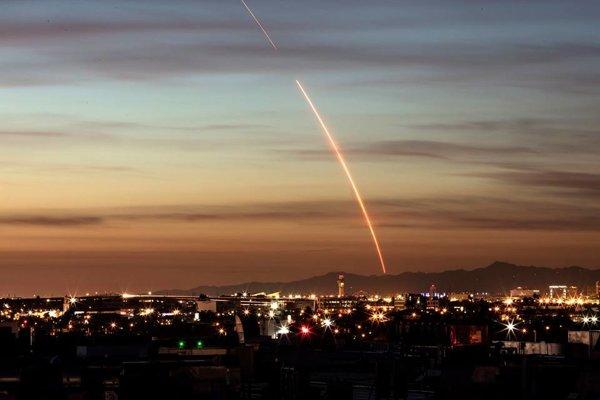 Pri poslednom štarte v minulom roku raketa Falcon 9 ožiarila oblohu nad Kaliforniou.