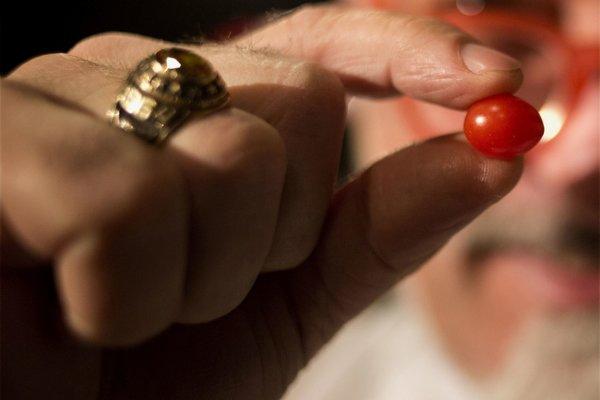 Detail cherry paradajky vypestovanej v Izraeli.