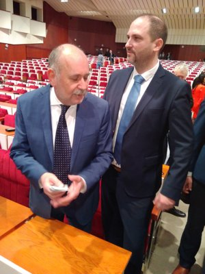 Daniel Rusnák a Jaroslav Polaček. Takto počítali stravné lístky, ktoré ich kluby vrátili naspäť Úradu KSK