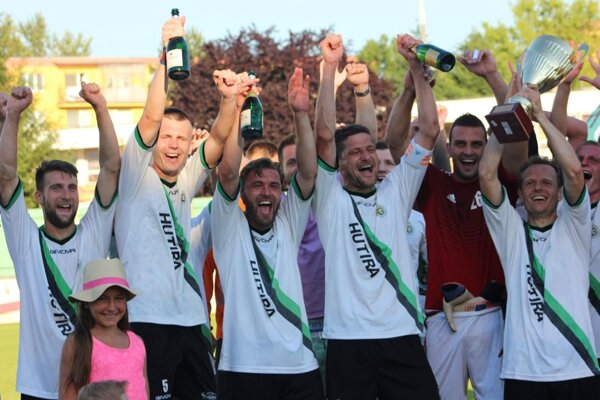 Futbalisti z hornej Nitry sú istým víťazom IV. ligy SZ.