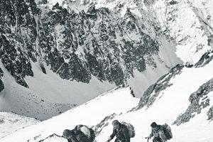 Jozef Psotka, Ivan Kluvánek a Ivan Lehotský počas dnes už legendárnej expedície zo začiatku roka 1955.