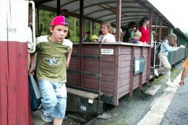 Na ulici Vydrovo v Čiernom Balogu v okrese Brezno sa začali v polovici júla práce na budovaní kanalizácie v dĺžke 600 metrov.