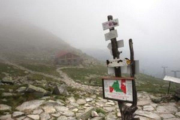 Prudký vietor má zasiahnuť predovšetkým hrebene hôr