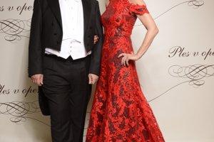 Ladislav Rehák, člen dozornej rady Orange Slovensko a manželka Mária Reháková, podnikateľka, riaditeľka Bratislavských módnych dní