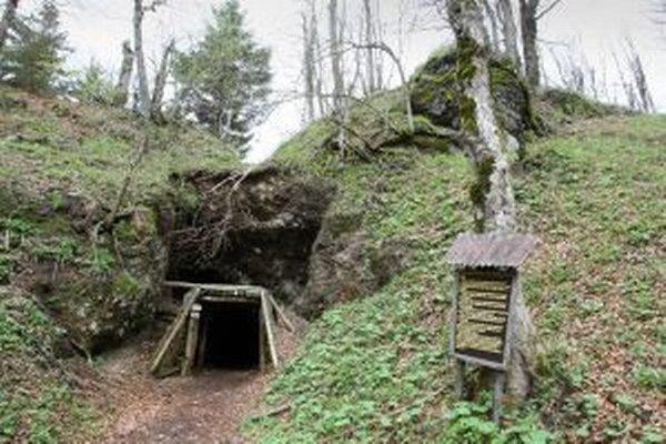 Historický tunel zasypalo vlani na jar, odvtedy je nepriechodný
