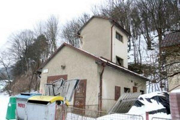 Bývalá hasičská zbrojnica v Iliaši by sa mala stať komunitným centrom.