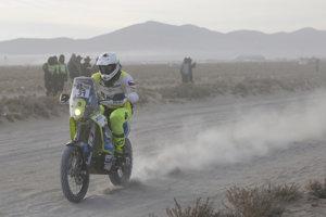 Český motocyklista Ondřej Klymčiw sa vážne zranil v tretej etape Rely Dakar.