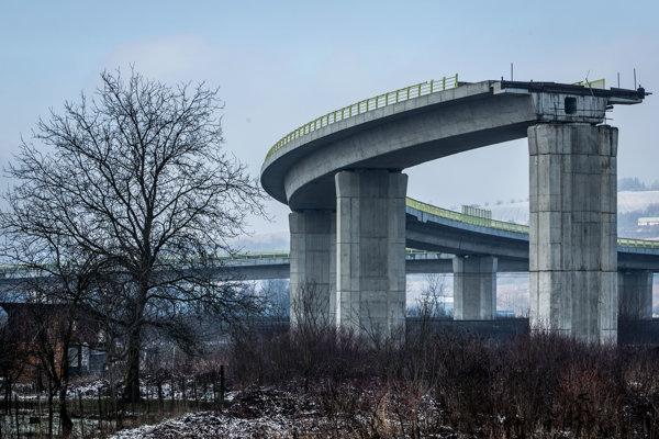 Nedokončená diaľnica.