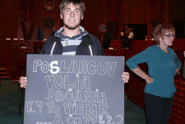 Medzi aktivistami boli aj mladí ľudia.