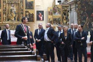 Ako primátor mesta s prezidentskou delegáciou v kostole.
