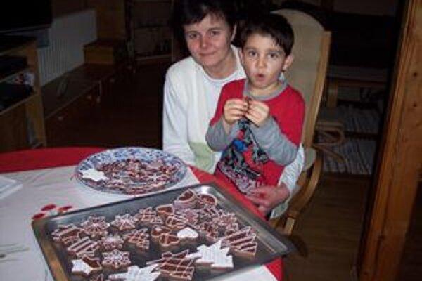 Norko a jeho pestúnska mama.