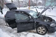 Senior sa snažil ujsť autom.