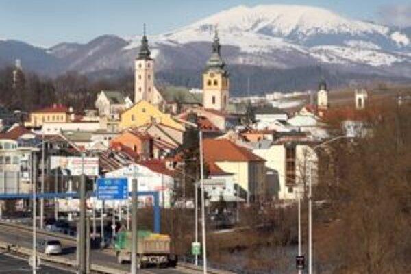 Banská Bystrica by dnes mala byť v bielom.