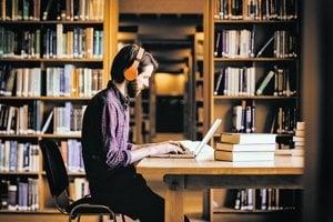Tento rok si už záujemcovia vysoké školy podľa rebríčkov ARRA neporovnajú.