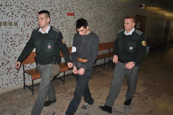 Vladimír na krajskom súde.