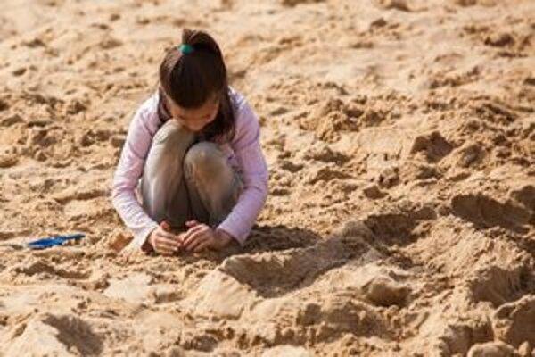Úrad verejného zdravotníctva v Banskej Bystrici kontroloval kvalitu piesku na 52 pieskoviskách.